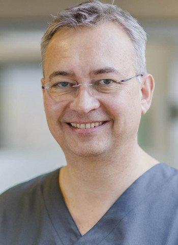 Priv.-Doz. Dr. Sigmar Frank Schnutenhaus MSc